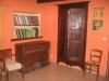 gite-aveyron-chambre-bibliotheque-armoire